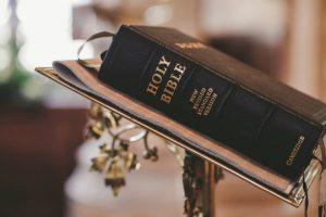 Chi ha scritto la Bibbia? Conosci bene la Bibbia?