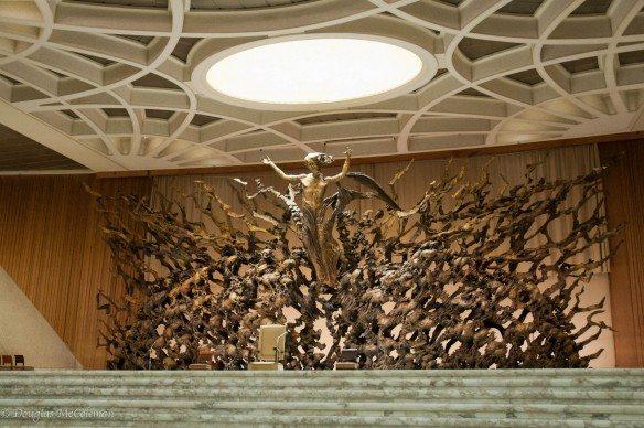 Pericle Fazzini, Resurrezione, 1970-75. Scultura in bronzo, Aula Nervi, Stato della Città del Vaticano, Roma
