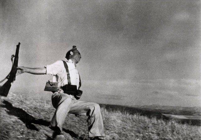 Robert Capa, morte di un miliziano lealista, 1936