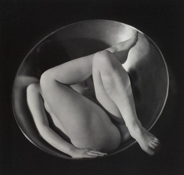 Ruth Bernhard - Dentro il cerchio - 1934