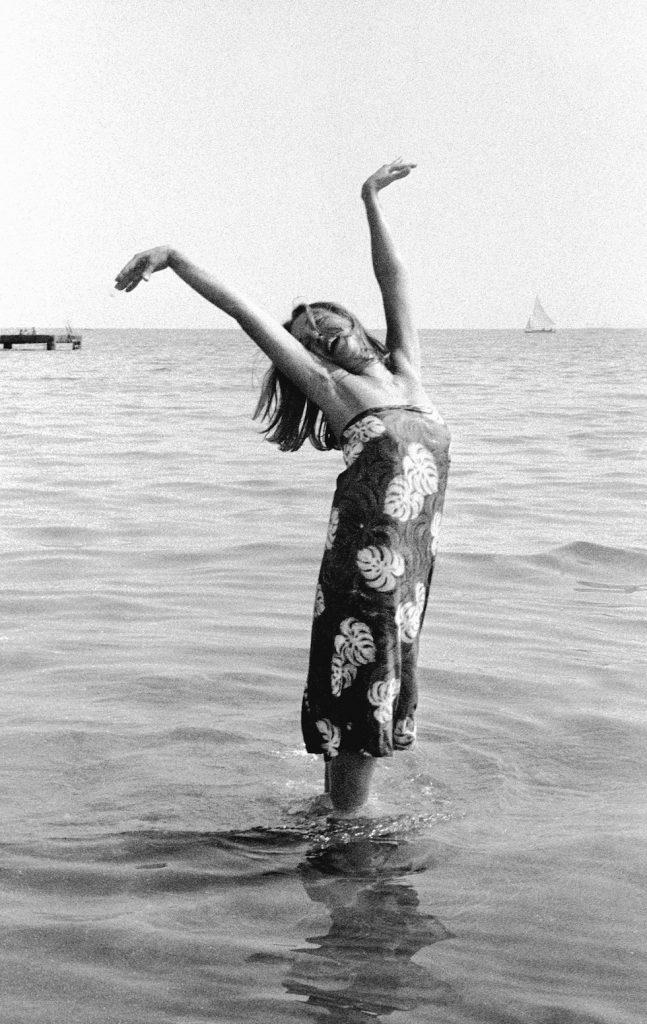Oriana Fallaci, Festival del Cinema, Lido di Venezia, 1963 foto Paolo Di Paolo © Archivio Paolo Di Paolo