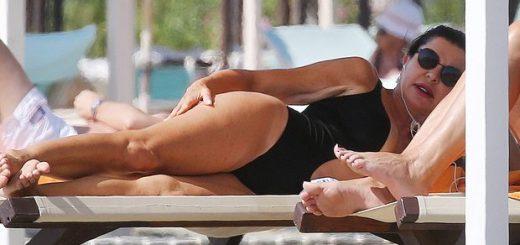 2582353_1329_alba_parietti_bikini