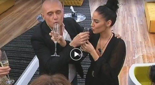 grande fratello vip Giulia De Lellis Signorini beve dal mio bicchiere_foto video 28 novembre 2017_28100003