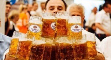 """Gli inglesi sono il popolo più ubriacone del mondo, gli italiani """"solo"""" al diciottesimo posto: la classifica"""