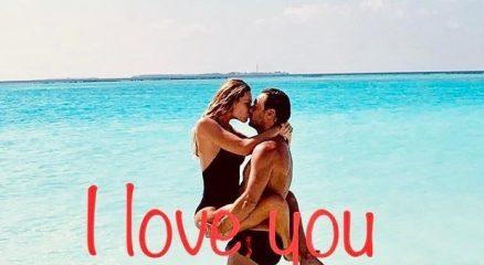 Totti e Ilary Blasi festeggiano tra le onde 14 anni d'amore