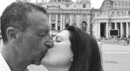 Amadeus e Giovanna Civitillo si sposano in chiesa: «È il coronamento del nostro sogno d'amore»