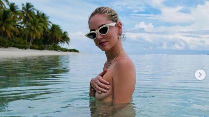 """Chiara Ferragni rispolvera il topless: """"Tette piccole ma un cuore grande"""""""