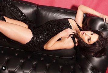Francesca De André, foto sexy per tenersi stretto Gennaro
