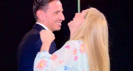 """Federica Panicucci balla con il fidanzato Marco Bacini nell'ultima puntata di """"Mattino Cinque"""""""