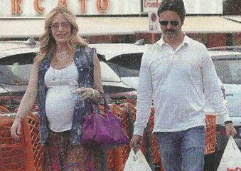 Beatrice Boccoli incinta col pancione: presto mamma a 47 anni