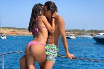 Tra la Nargi e Matri la passione brucia a Formentera