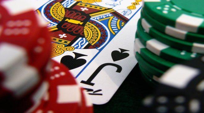 Batasan pemasangan catatan aplikasi model poker