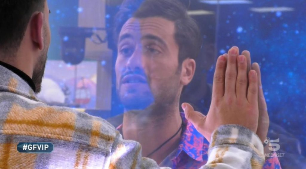 pretelli-in-lacrime-affronta-il-fratello_C_1_article_18698_launch_horizontal_image