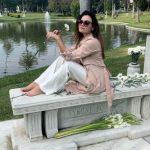 4875084_1212_romina_carrisi_foto_tomba_nonno