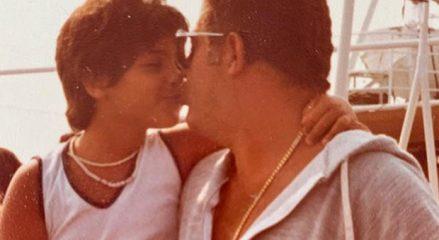 Uomini e donne, Raffaella Mennoia e il messaggio per il padre scomparso: «Scusa se non posso venire a farti la tomba»