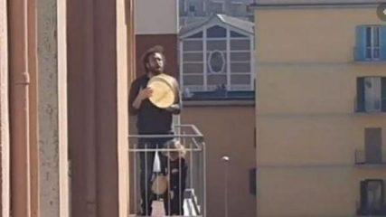 Coronavirus, musica e canzoni sui balconi: oggi alle 18 il flashmob in tutta Italia