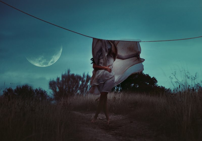 Dietro la luna c'è