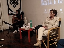 Elda Salemma ha allietato la serata con le sue canzoni