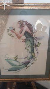 Sirena ricamata dalle ricamatrici di Bacoli