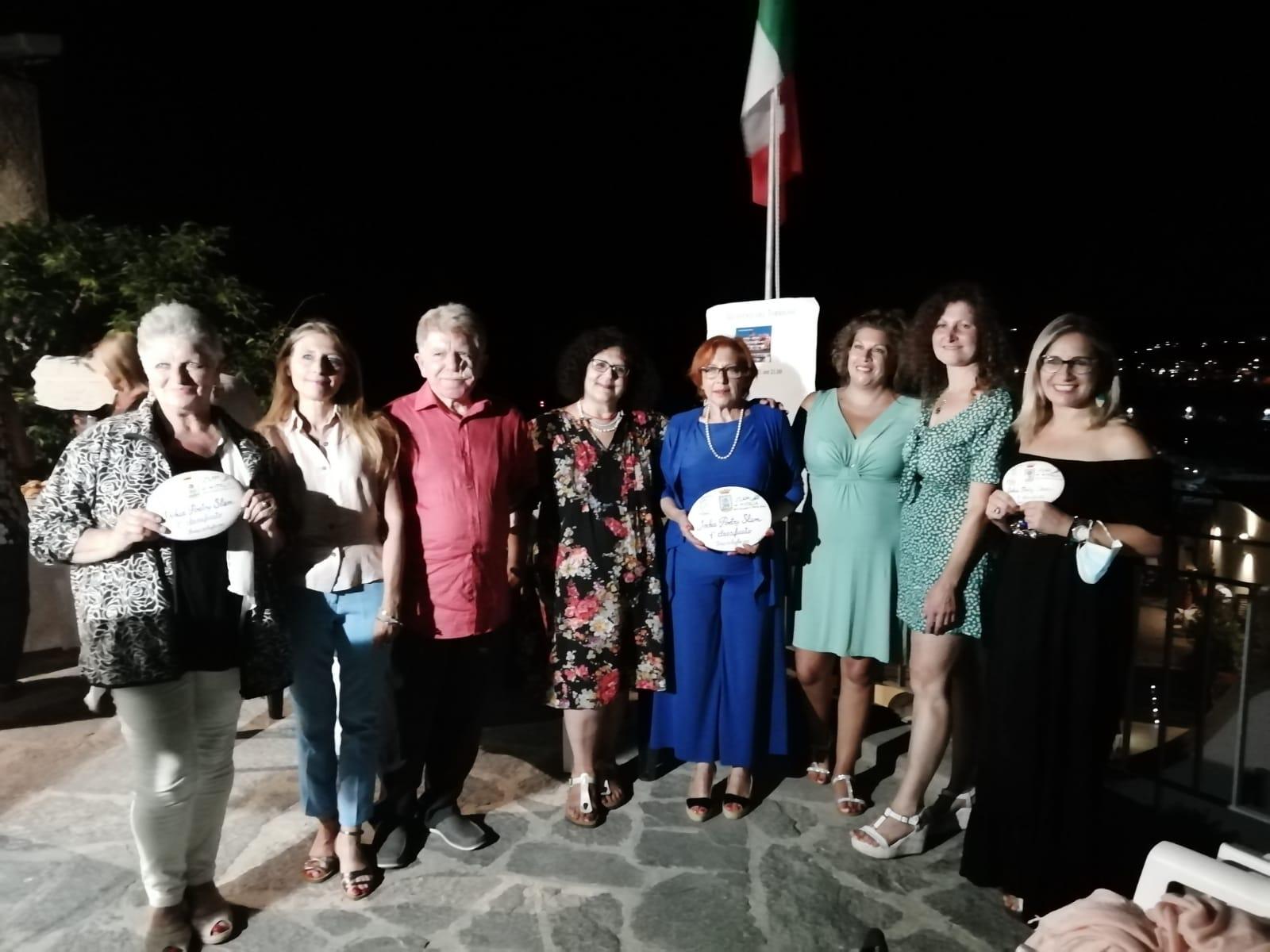 Venerdì 23 luglio la poetessa flegrea Annamaria Varriale ha vinto il campionato di poesia Ischia Poetry Slam svoltosi nello splendido scenario di Forio d'Ischia, sulla terrazza del museo civico del torrione Giovanni Maltese, meritandosi l'accesso alla finale nazionale che si svolgerà prossimamente a Milano nella Casa Alda Merini.