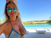 barbara-durso-sexy-fine-di-vacanze-schermata-2020-08-23-alle-15.18.05