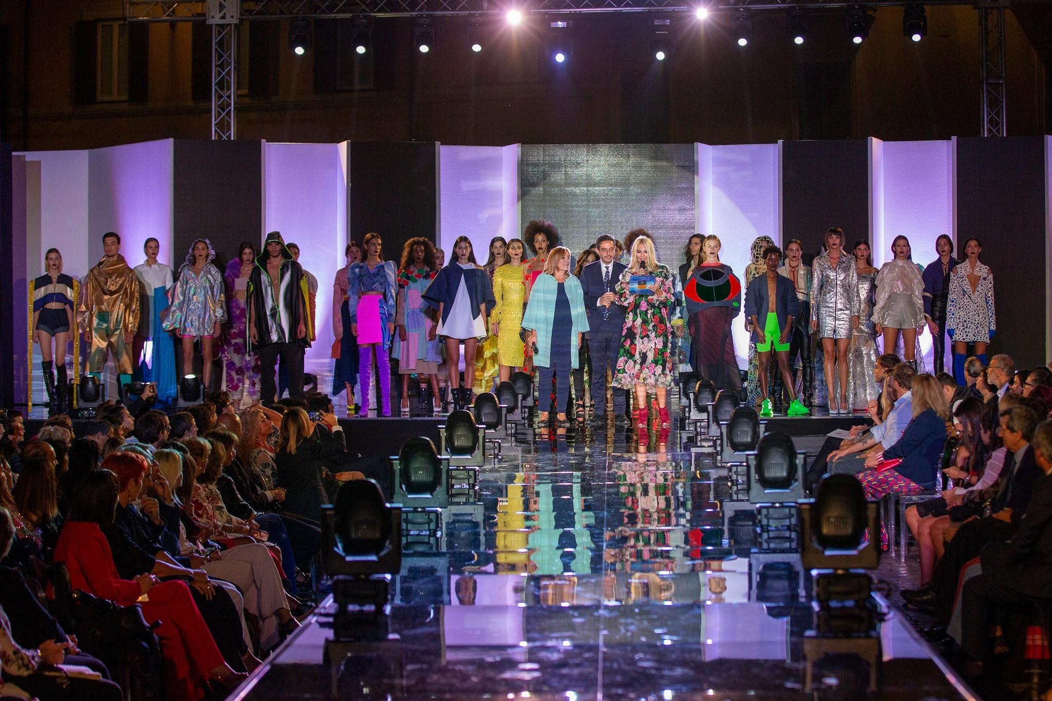 Accademia del lusso organizza corso di Fashion designer online