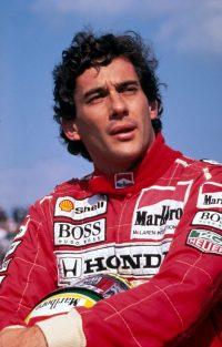 kika2410124_Ayrton-Senna-654x1024