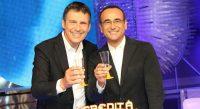 Carlo Conti e Fabrizio Frizzi brindano alla conclusione della trasmissione L'Eredita'