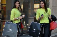 Elisabetta-Gregoraci-sneakers-Balenciaga-bracciali-Cartier-Anita-Ko-e-Dior-borsa-Hermes-3