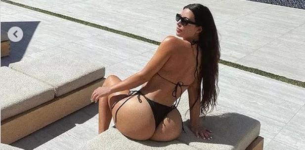 x6000077_0950_kim_kardashian_lato_b.jpg.pagespeed.ic.p6tsR_f4td