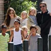 brad-pitt-angelina-jolie-kids-grocery-shopping-02