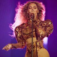 Beyoncé-in-GHCbRT-725x483