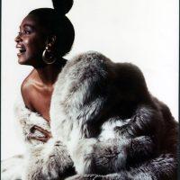 Foto copertina con pelliccia