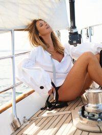Elle-Macpherson-ELLE-Australia-2016-Cover-Photoshoot08