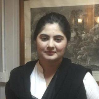 L'ha annunciato il ministro degli Esteri. La ventitreenne aveva chiesto aiuto alla vecchia scuola che aveva allertato le autorità