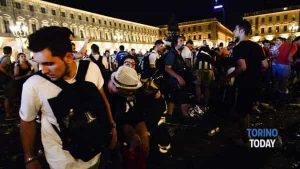 crollo-ringhiera-piazza-san-carlo-finale-champions-league-juventus-real-madrid-170603 (2)