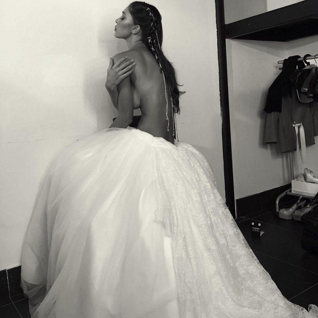 Belen-Rodriguez-nozze-topless