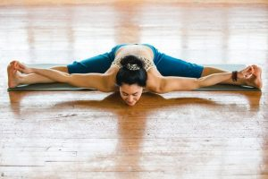 Upavistha-Konasana-wide-angle-seated-forward-bend-1024x683