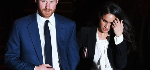 epa06490750 Britain's Prince Harry (L) and US actress Meghan Markle (R) leave a charity event at the Goldsmiths' Hall in London, Britain, 01 February 2018. The engaged couple attended the annual ceremony of the Endeavour Fund Awards.  EPA/FACUNDO ARRIZABALAGA