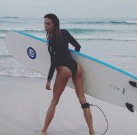 ninamoric_sexy_surf_latob_fabriziocorona_srilanka_19135748