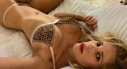 5044159_1219_alessia_marcuzzi_sexy_bikini_leopardato