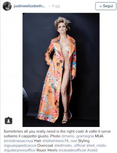 Justine Mattera, sotto il cappotto niente!