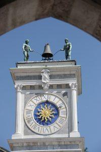 clock-4086577_1280