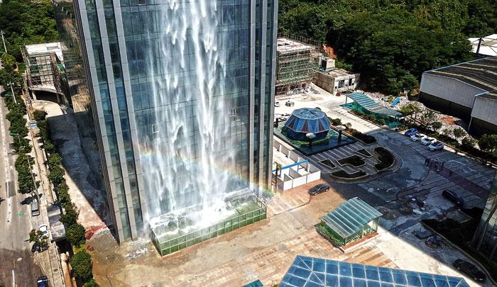 cascata-artificiale-grattacielo-guiyang-cina-3
