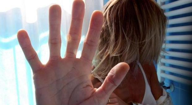 4431242_1126_vittima_stupro_violentata_poliziotto_pakistan (1)