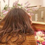 «Mamma mostro» lascia che un amico di famiglia violenti per anni le sue due bambine
