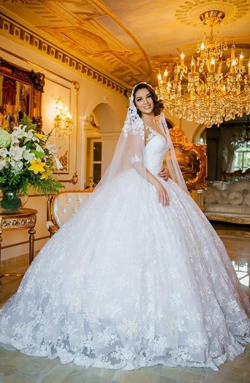 hot sale online 02cb0 638b0 I Migliori Stilisti di abiti da sposa: La Guida