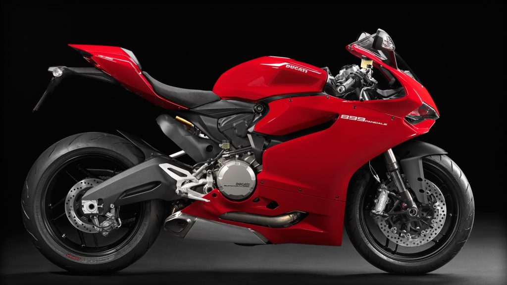 SBK-899-Panigale_2014_Studio_R_C01_1920x1080.mediagallery_output_image_[1920x1080]