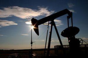 Petrolio, l'accordo OPEC mette le ali ai titoli del settore