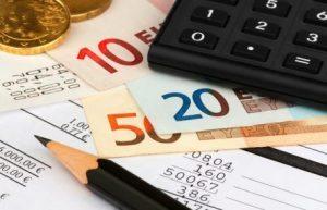 Credito alle imprese in calo, aumentano le domande di mutuo dalle famiglie